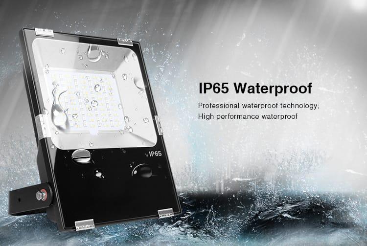 IP65 waterproof smart LED RGB+CCT floodlight remote control