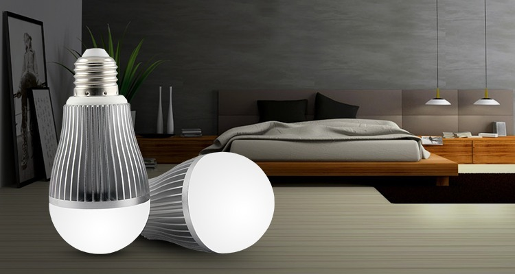 Mi-Light 9W dual white LED light bulb FUT019 2 lightbulbs in living room E27